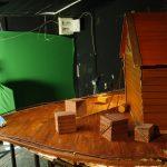 סט של תיבת נוח שנבנה במסגרת פרוייקט דל תקציב. השאר הושלם בגרין סקרין