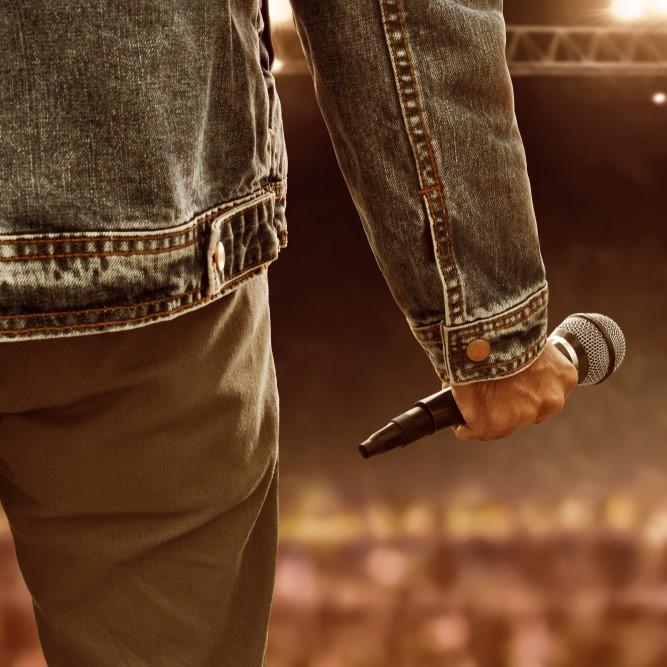 מאמר על זמרים וזמרות בתעשייה