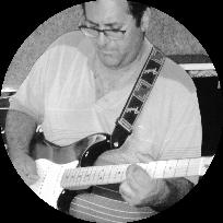 גיטריסט ,בסיסט ,זמר, אומן יוצר