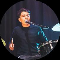 ליאם בר-מתופף ומוזיקאי רב תחומי